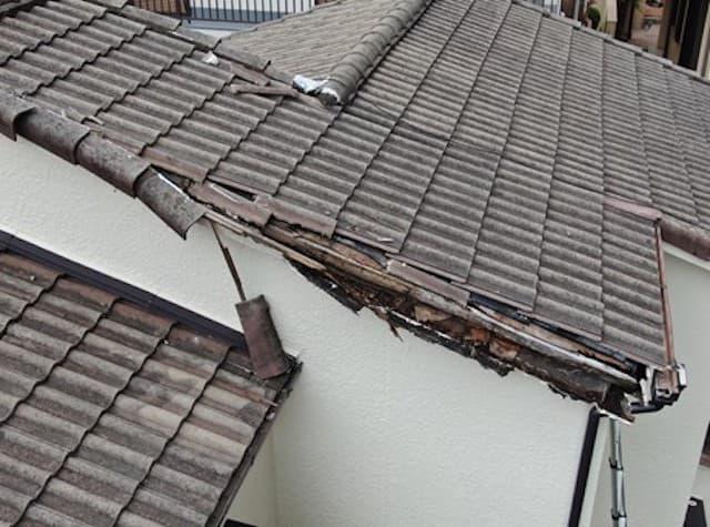 雨漏りの原因となった屋根4